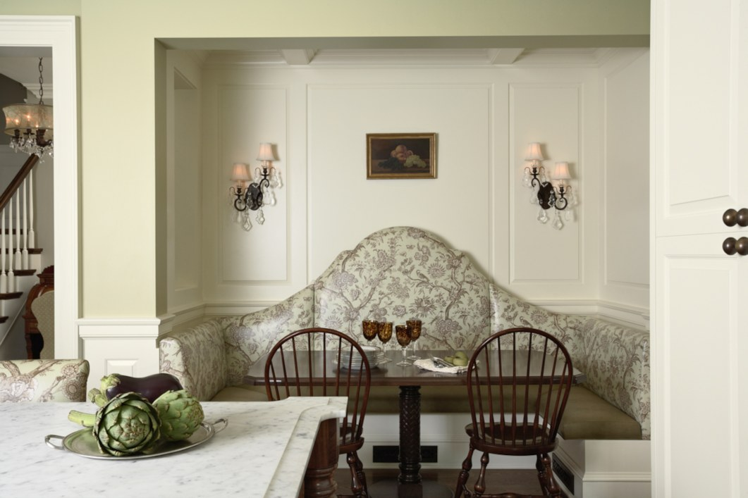 historic_revival_breakfast_nook1a